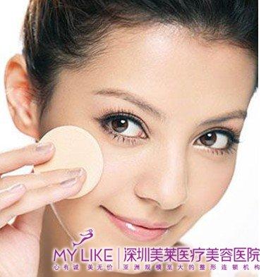 韩式压双眼皮塑造永久电眼.美莱深圳整形美容医院的专家介绍说,