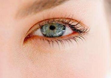 双眼皮手术失败会有什么危害图片